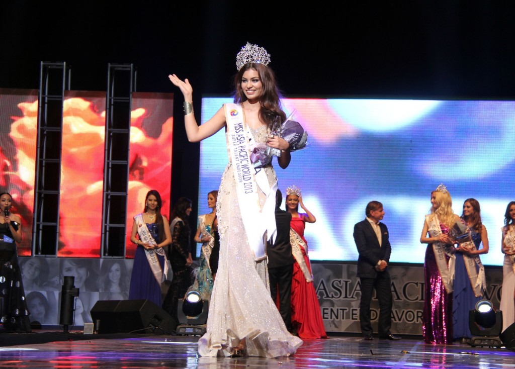 1-Srishti Rana crowned as Miss Asia Pacific World 2013.