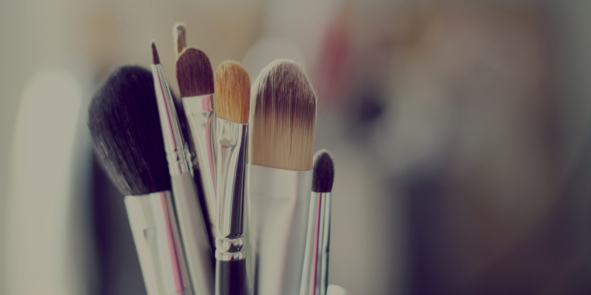 o-MAKEUP-BRUSHES-facebook-2